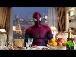 Новогоднее поздравление от Человека-паука,Film,,Новый Человек-паук. Высокое напряжение В кино с 24 апреля http://spiderman-film.ru/ В сиквеле культового блокбастера Питер Паркер (Эндрю Гарфилд) под маской Человека-паука по-прежнему спасает мир от злодеев, а свободное время проводит со своей возлюбле