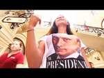 """Москвичи раскупают футболки с изображением Путина,News,,ГУМе начали торговать футболками с изображением президента России Владимира Путина. Как сообщает ИТАР-ТАСС, очередь из  желающих приобрести футболку стоимостью 1200 рублей выстроились в магазине за час до начала продаж.  Коллекция """"Всё путём"""","""