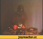 Scratching Darth Vader,Music,star,wars,darth,vader,scratch,turntable,music,beat,www.KeltechAndJohnnyB.com !!!  http://www.myspace.com/mcJohnnyB  Darth Vader scratches the theme of Star Wars.  really awesome and funny ^^