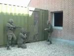 Румынский спецназ,People,Прикол,прикольно,ржака,ржачно,смех,смешно,юмор,пиздец,круто,спецназ,собр,омон,кавалда,удар,ногой,СУПЕР СПЕЦНАЗ:)