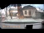 Врезался в дерево - ДТП.АВАРИЯ.2013,Autos,,Врезался в дерево из за выезжавшего автомобиля. Смотрите на нашем канале только самые горячие аварии и дтп на дорогах в 2013 году.